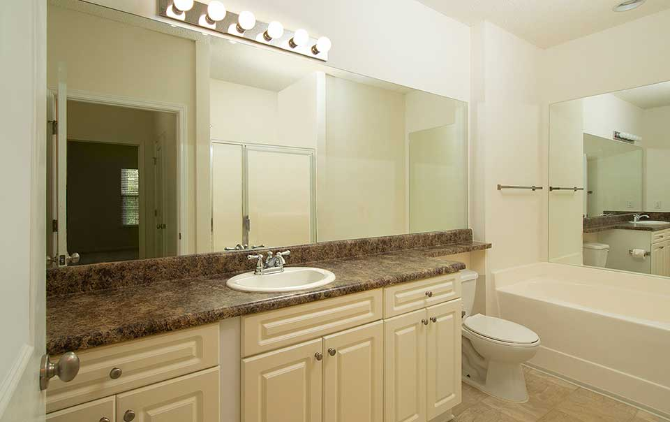 Barh Room spacious rooms Greystone farms Reserve Columbus GA Apartments