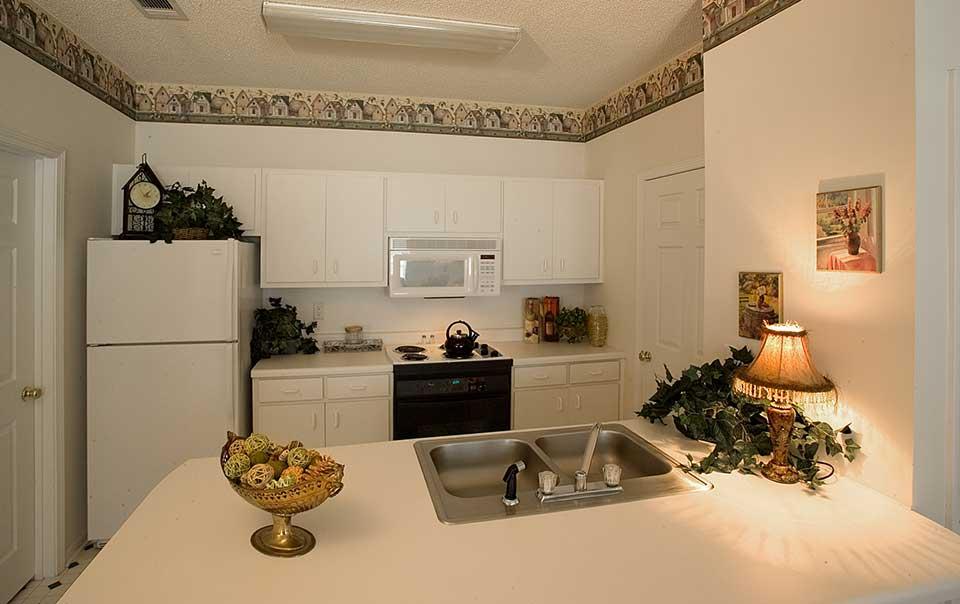 Greystone Properties Columbus, GA Apartments Inverness Kitchen