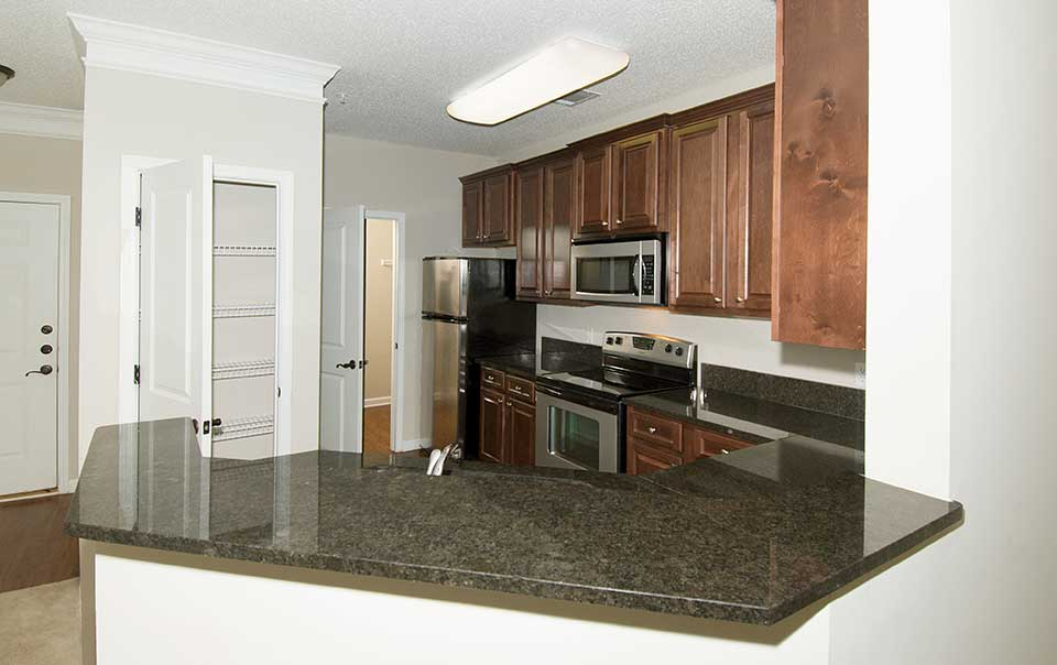 Greystone at Maple Ridge fully furnished kitchen