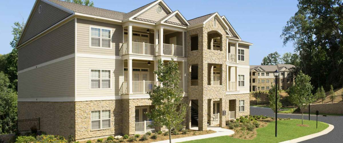 A comfortable place to stay and enjoy the luxury of fine apartment living in Greystone's Columbus, GA Apartments
