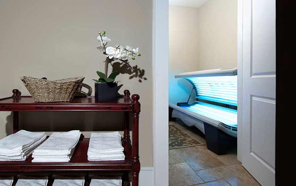 Greystone Properties Columbus, GA Apartments Clubhouse with Tanning Bed