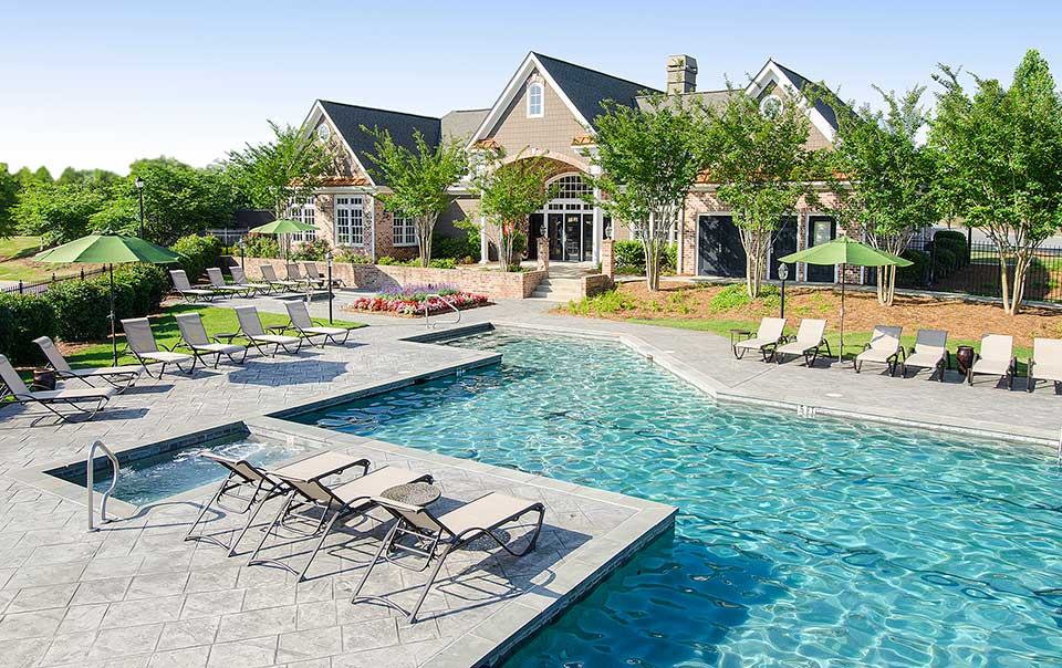 Greystone Summit pool Columbus GA Apartments