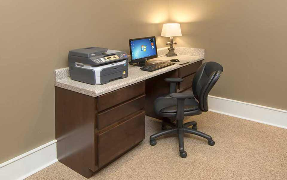 Computer nook at Summit at Greystone Properties Knoxville,TN Apartments