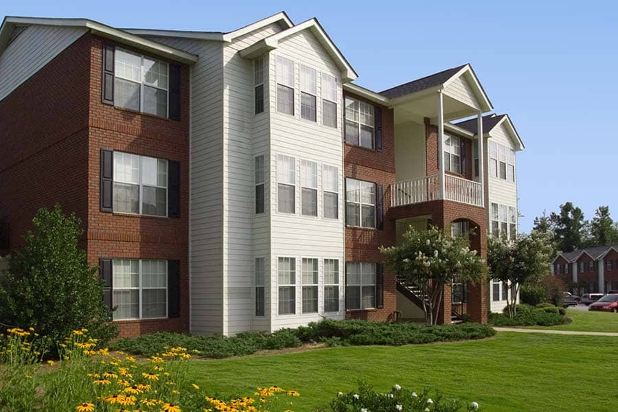 Greystone at The Woodlands Pet Friendly Spacious Grounds