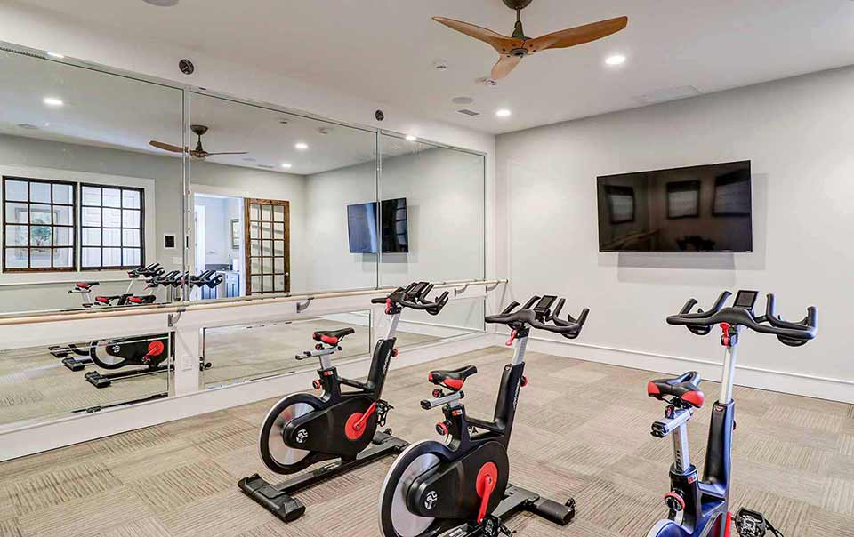 Greystone at Oakland Apartments Spinning Area of Gym