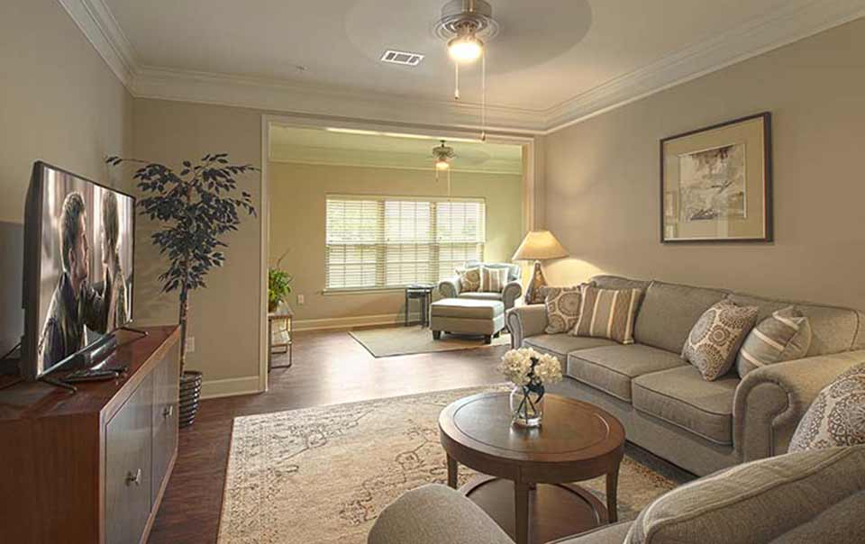 Greystone at Oakland Apartments living room and sunroom