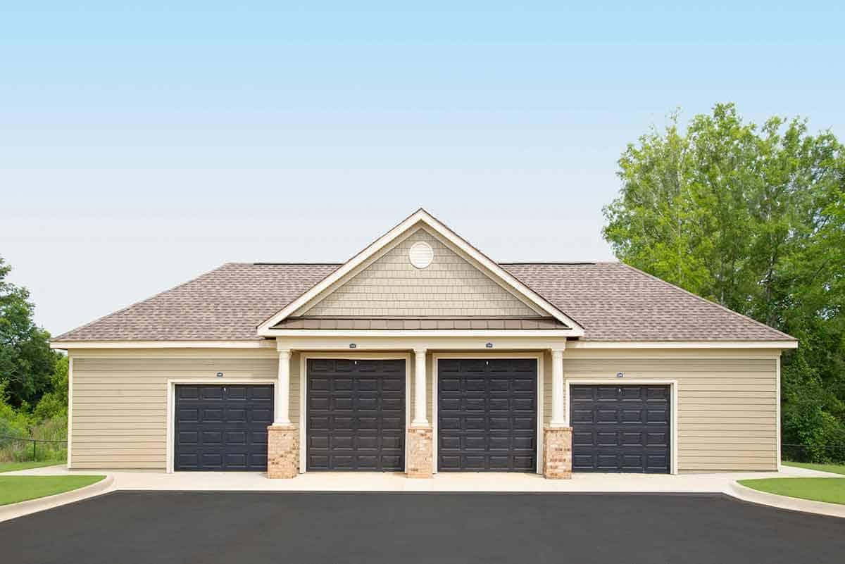 Greystone Properties Oakland Leesburg, GA Garages