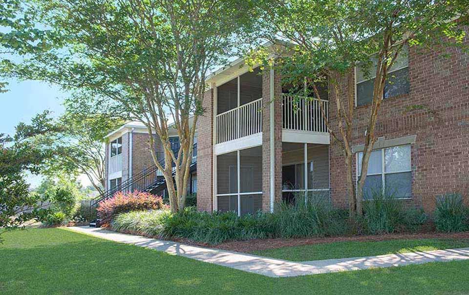 greystone properties gulf breeze reserve apartments beautiful landscaping