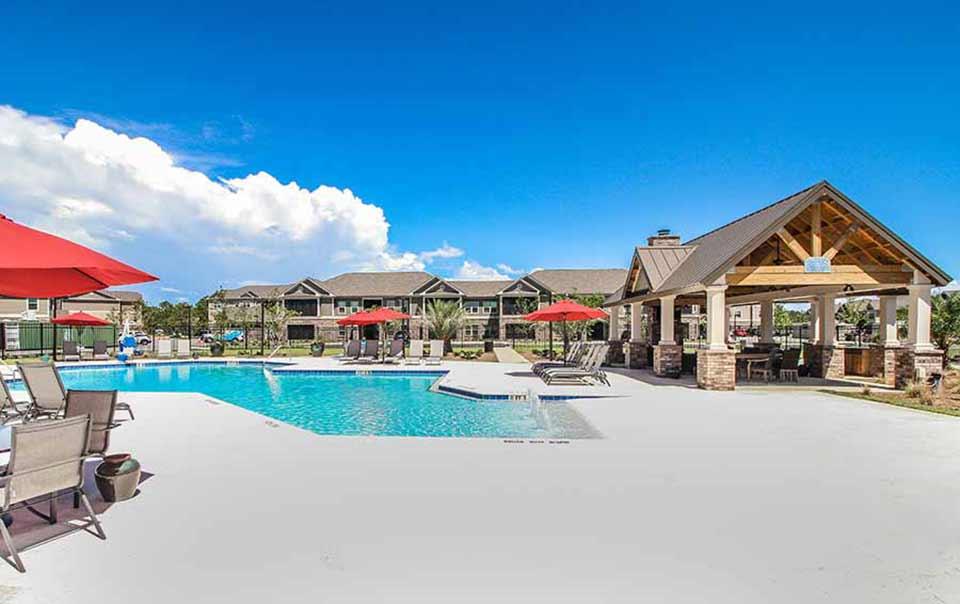 Summit pool at greystone properties gulf breeze apartments