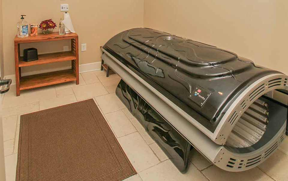 Tanning area at greystone properties gulf breeze reserve apartments