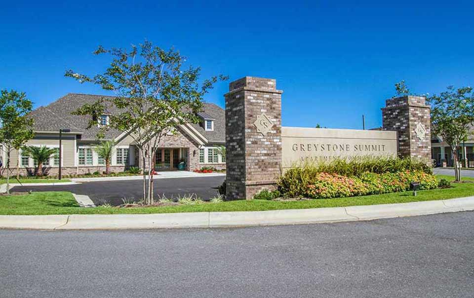 Entrance to greystone properties gulf breeze Summit apartments